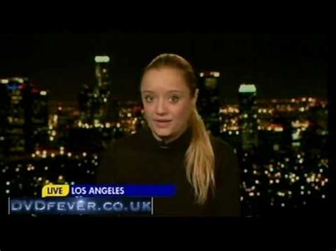 lucy davis youtube lucy davis talks about married single other gmtv 22 02