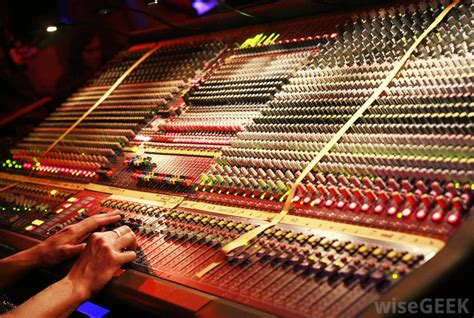 what does a lighting engineer do how do i choose the best audio mixer with pictures