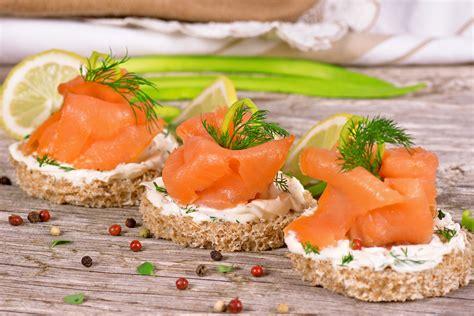 listeria monocytogenes alimenti listeria in salmone affumicato e salmonella in carne