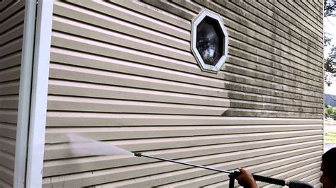 how to pressure wash a house with vinyl siding power washing house siding pressure washing vinyl siding by majestic renovations llc