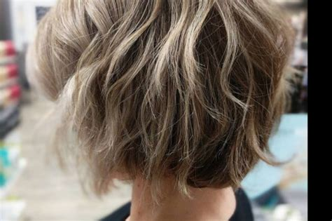 loosely layered deconstructed bob hairstyles for women in 2018