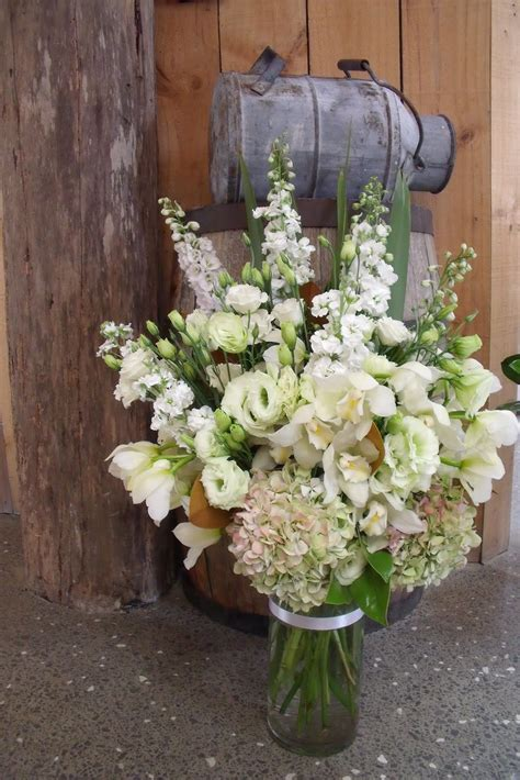 vidabela rustic themed wedding flowers