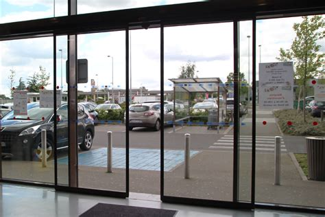 porta auto portes automatiques coulissantes en acier et verre smf