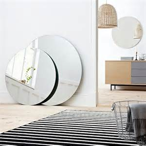 Style Urban Outfitters - adoptez un miroir rond joli place
