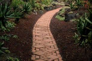 garden paths and walkways how to make garden pathways