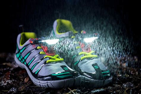 Shoe Lights For Runners by Add These Lights To Running Shoes For