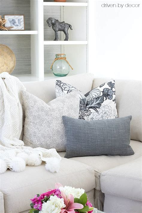 how many pillows on a sectional pillows 101 how to choose arrange throw pillows
