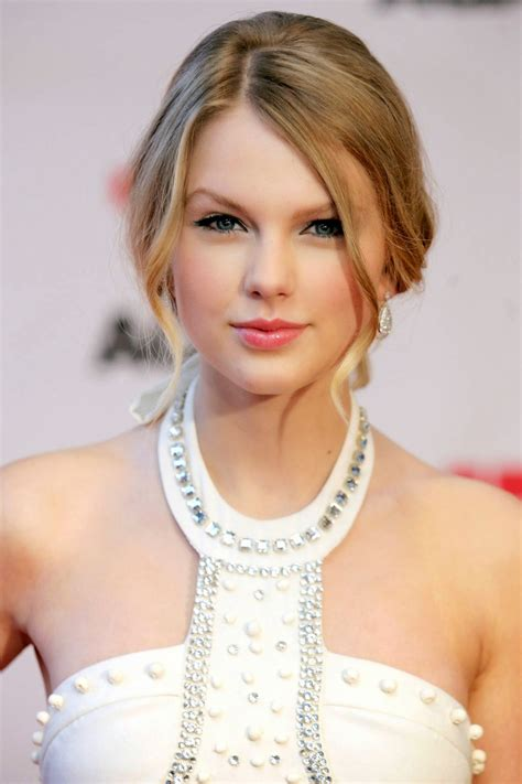 taylor swift taylor swift writes music again news hubz