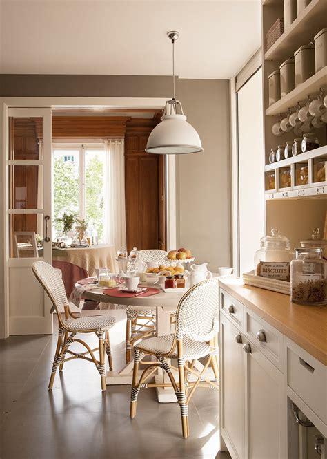 mesa redonda cocina un office ideal en la cocina