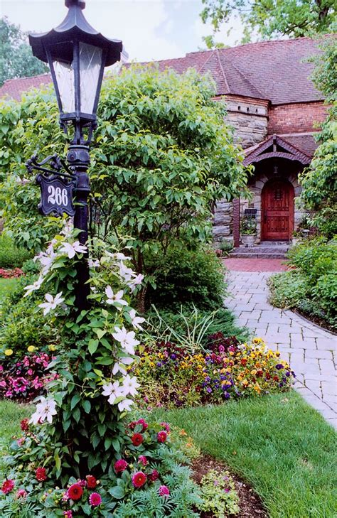 Light Post Landscaping Ideas Dos And Don Ts Of Front Yard Landscape