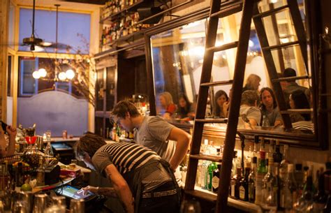 top bars in nyc cocktail mania i migliori bar di new york momondo