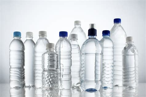 acrylic resin creative ideas for repurposing plastic bottles idea digezt