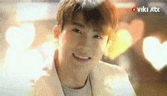 romantic wallpaper gif korean romantic gifs search find make share gfycat gifs