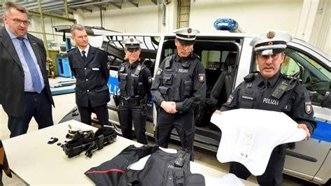 Bewerbungsfrist Polizei Schleswig Holstein Besserer Schutz Polizei In Schleswig Holstein R 252 Stet Auf Stormarn Hamburger Abendblatt