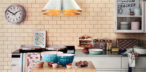 cosa si cucina oggi decluttering in cucina cosa buttare via oggi stesso