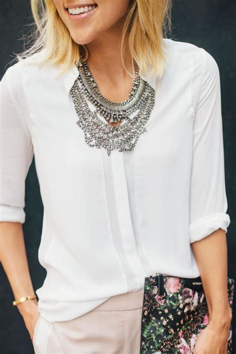 Neackless Chain Blouse white blouse with statement necklace fashion ideas stylists bijoux and style