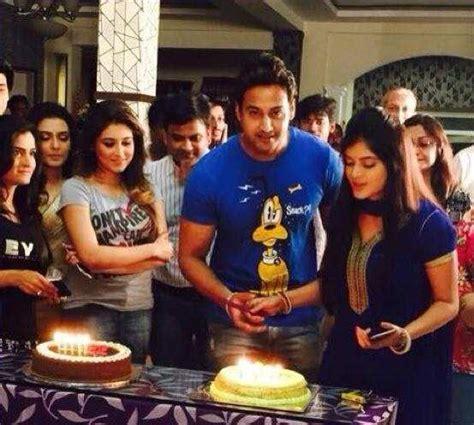 bengali actor yash dasgupta wife name yashh dasgupta in pics 500th episode party of bojhena