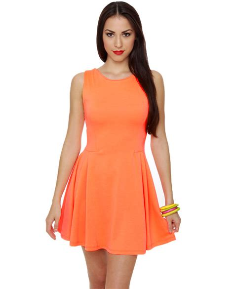 Dresss Orange what color lipstick should i wear with an orange dress