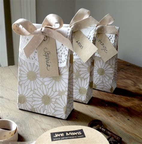 How To Make Paper Goody Bags - cool favours and great goody bags means