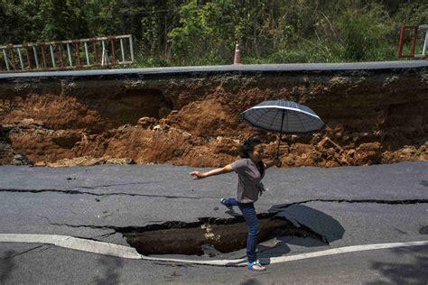 earthquake thailand a big red shoe the vatican s elite swiss guard