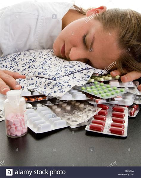 Sleeping Pill Detox by Sleeping Unconscious Excessive Amount Overdose Tablets