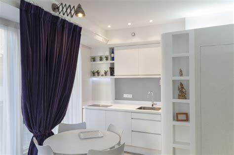 cuisine 駲uip馥 pour studio des cuisines compactes pour petits espaces ma 233 ma