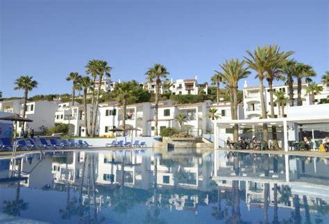 apartamentos menorca fornells aparthotel trh tirant playa en fornells destinia