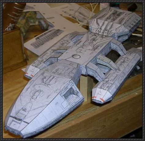 Papercraft Spaceship - sci fi spacecraft paper model pics about space