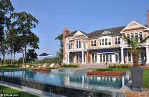 mariah carey dog house mariah carey and nick cannon splash out on 150 000 a month resort style mega mansion