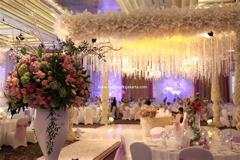 Wedding Hotel Jakarta by Flower Of Lightworks