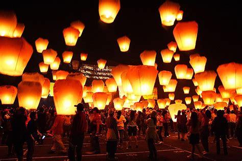 lanterne volanti dove si comprano a venosa lanterne volanti per la notte di san lorenzo