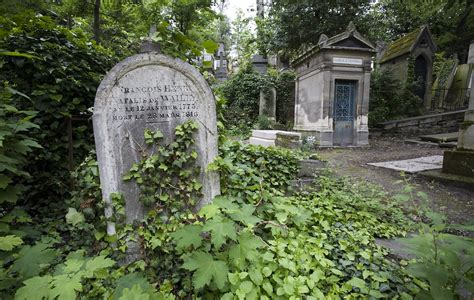 pere la chaise cemetery pere lachaise cemetery paris travel featured
