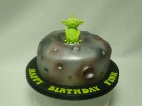 alien and planet cake celebration cakes cakeology