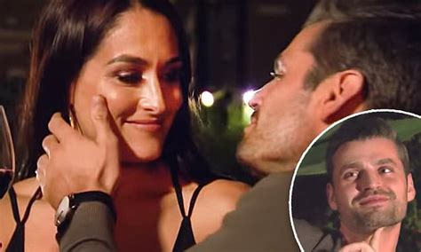 nikki bella kiss peter the bachelorette s peter kraus goes in for the kiss with