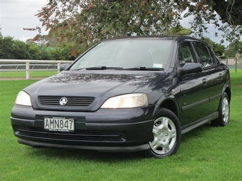 holden hatchback 2002 holden astra hatchback pictures information and