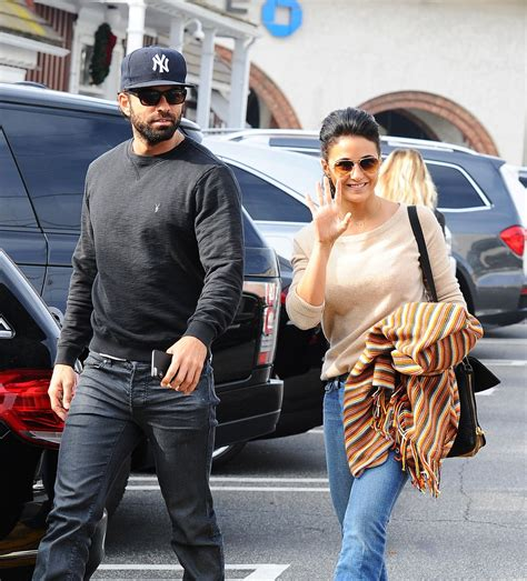 Style Emmanuelle Chriqui by Emmanuelle Chriqui Style Out In Brentwood