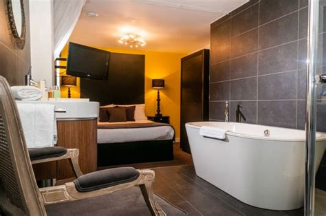 london hotel with jacuzzi in bedroom manchester s most amazing hotel rooms including the 163