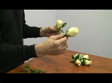 Learn How To Diy A Corsage by How To Make A Corsage And Boutonniere For A Wedding
