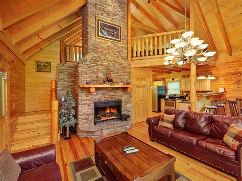 Vrbo Gatlinburg 5 Bedroom by New 2 Bedroom Luxury Cabin In Gatlinburg Vrbo