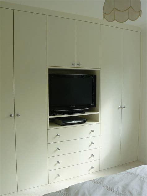 ideas  built  wardrobes  tv space