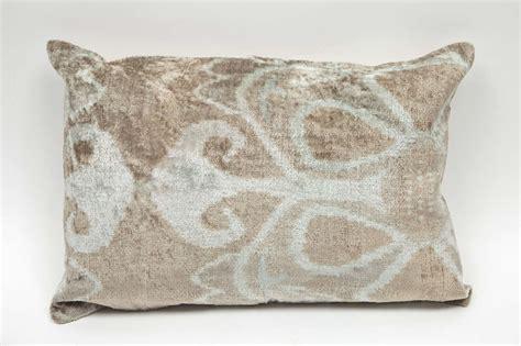 Ikat Pillows Vintage Ikat Pillows At 1stdibs