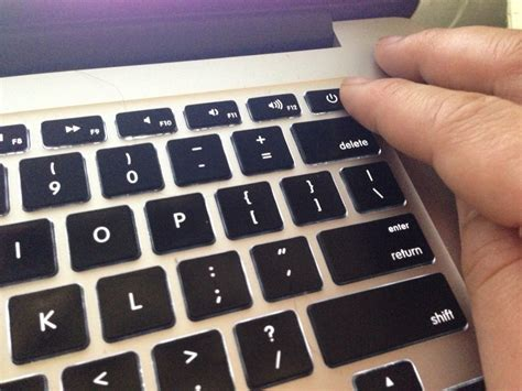 reset nvram macbook air 2012 macの画面が真っ暗になってしまったらnvram pram クリアを行おう