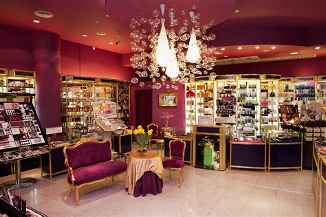 Parfum Shop For perfume shopping around the world the poland edition