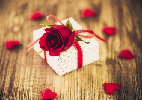 valentines day gift top 20 valentine s day gifts you need to buy asda good