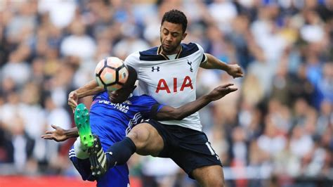 epl news chelsea tottenham clinging to hope in epl title race