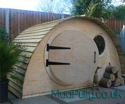 hobbit hidey hole playhouse mudputtycouk play houses