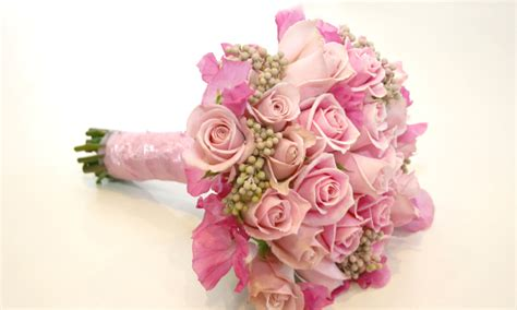beautiful table ls india 1000 images about bridal bouquet ideas on