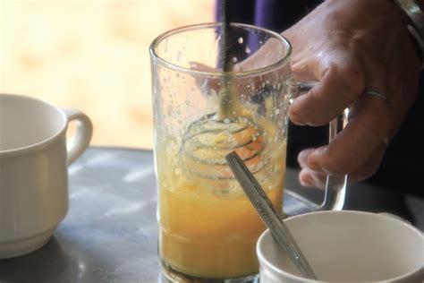 Teh Kotak Di Warung teh talua sajian nikmat pemulih stamina indonesiakaya