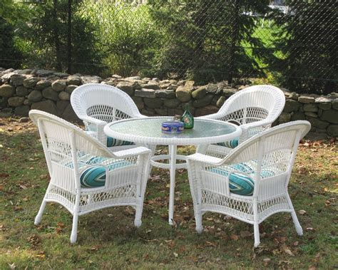 White Wicker Patio Table White Wicker Outdoor Dining Sets On Wicker Dining Table And Chairs Chrisrickettsmusic