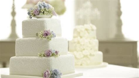 Places That Make Wedding Cakes by Exciting Affordable Wedding Cake Photos Designs Dievoon